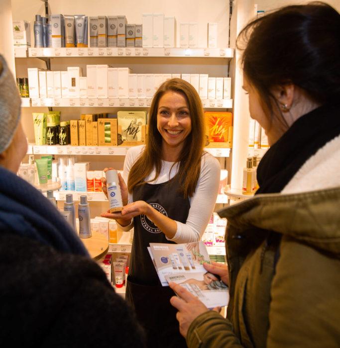 Promoterin der Promotionagentur PRO-VOGUE für Birkenstock Cosmetics
