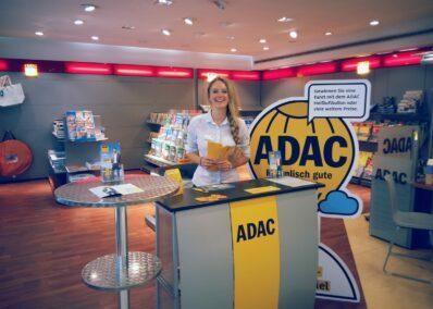 Promoterin der Promotionagentur PRO-VOGUE für ADAC