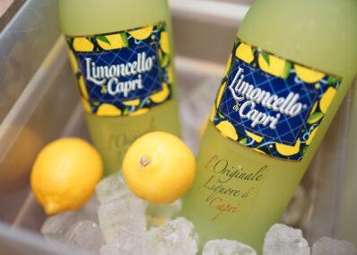 Limoncello di Capri Flaschen auf Eis