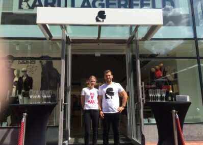 Promoterin und Promoter der Promotionagentur PRO-VOGUE für Karl Lagerfeld