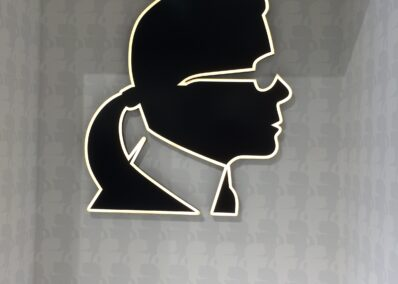 Logo Karl Lagerfeld im Laden