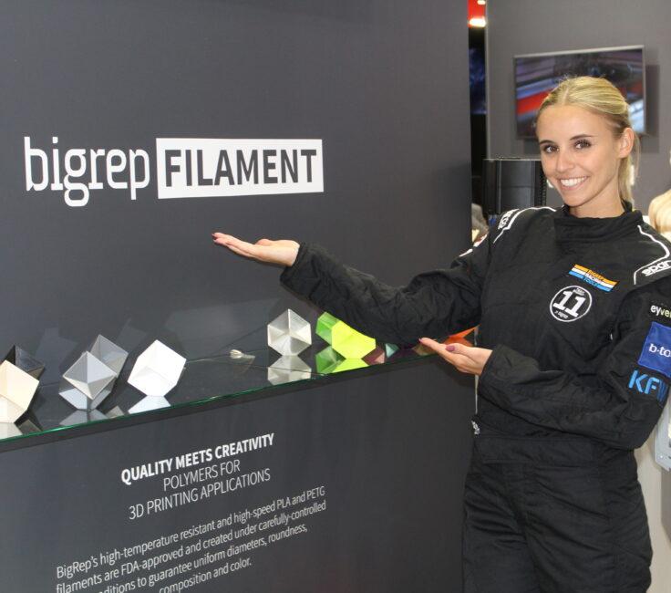 Promoterin der Promotionagentur PRO-VOGUE für Bigrep Messe Promotion